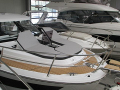 Jeanneau 1095 Merry Fisher Bote con cabinas