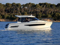 Jeanneau Merry Fisher 895 Barco com cabine
