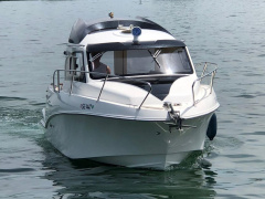 Quicksilver (Brunswick Marine) 640 Weekend Bateau à cabine