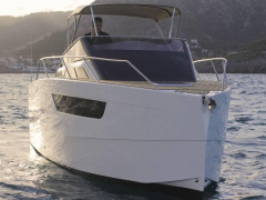 NUVA Yachts M8 Barco deportivo