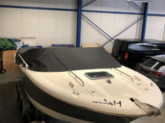 Jeanneau Runabout 755 Boot met middenconsole
