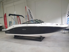 Sea Ray SPX 190 Sport Boat