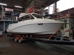 Quicksilver 640 Weekend Yacht à moteur