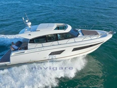 Prestige Yachts 42S Barca a console centrale
