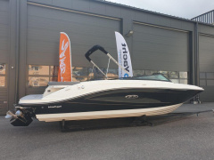 Sea Ray SPX 230 Sportbåt