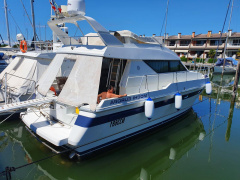 Mochi Craft Mochi Europa 40 Flybridge