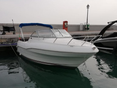 Quicksilver flamingo 620 Cabin Boat