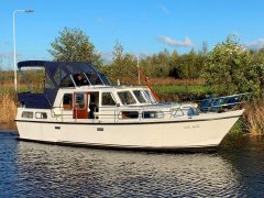 Aquanaut Beauty 1100 AK Trawler