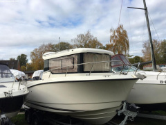 Quicksilver CAPTUR 675 PILOTHOUSE Motor Yacht