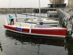 Delphia 24 one design, Daysailer