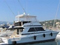 Riviera 48 Convertible Flybridge Yacht