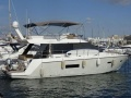 Sealine F42 Flybridge Yacht