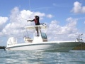 Boston Whaler 240 Dauntless Pro Deck-boat