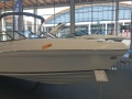 Rinker Q 3 Yacht a Motore