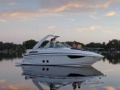 Regal Express Cruiser 28 Yacht a Motore