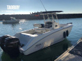 BOSTON WHALER OUTRAGE 240 Center console boat