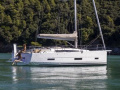 Dufour 390 GRAND LARGE Sailing Yacht